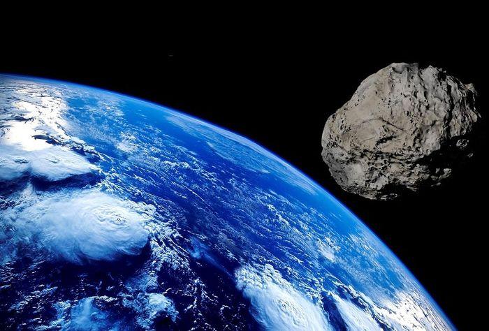 Deskripsi asteroid yang lewat di dekat Bumi.