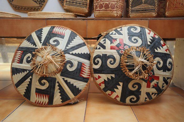 Cahung tisi yang dibuat oleh suku Dayak Aoheng.