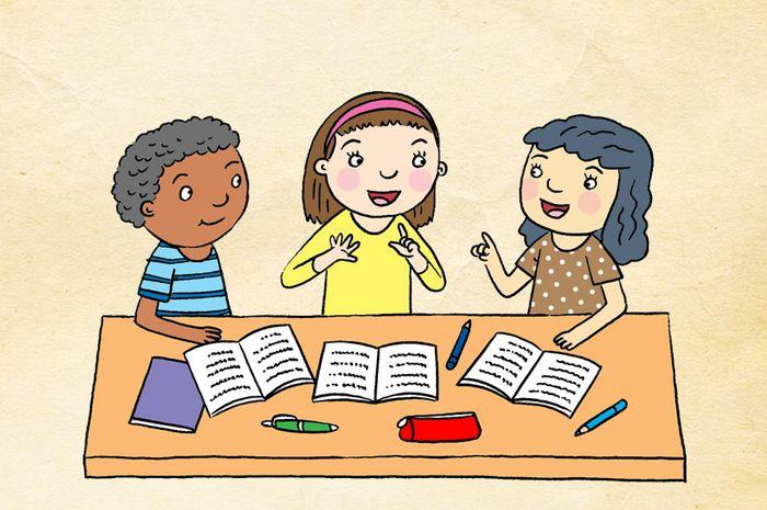 Belajar bersama teman-teman.