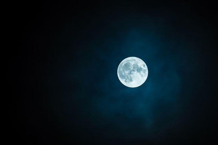 Apakah Bulan Bisa Bersinar Sendiri Seperti Matahari Semua