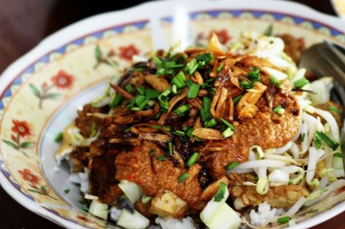 Nasi Lengko Makanan Khas Pantura Bobo