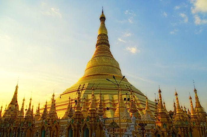 Pagoda Emas Shwedagon Yang Megah Dan Suci Bobo