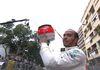 Kendati Mendominasi Formula 1, Lewis Hamilton Ogah Nge-Voor Lawan di Lintasan