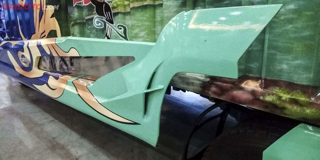 Aerodinamika samping Borneo, salah satu kontestan modifikasi truk JFT 2018 – Hikmawan M Firdaus