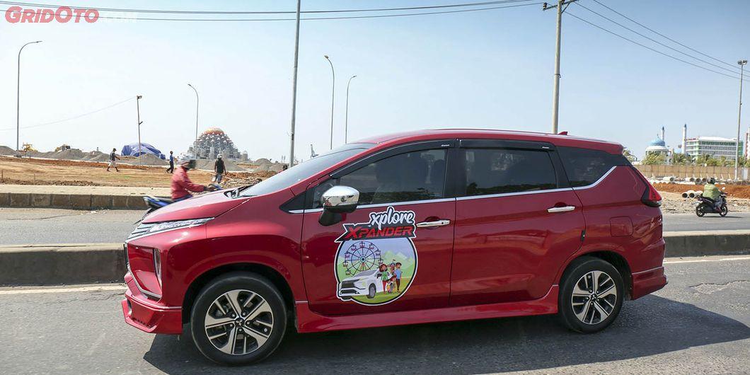XploreXpander melintasi jalanan kota Makassar. Photo: Gugum Gumilar