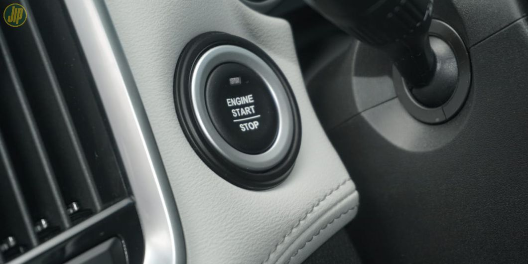 Sudah ada engine start/stop button di Almaz