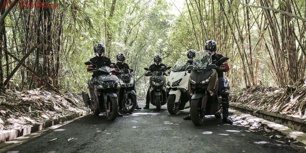 Perjalanan MAXI YAMAHA Tour de Indonesia Etape East 3 Denpasar – Lovina. Photo : RR Inne Aveline