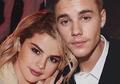Justin Bieber Melamar Selena. Natal Tahun Ini Tidak Diterima Keluarga