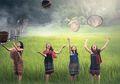 Perempuan Di Negara-negara Ini Harus Menjalani Tradisi Tak lazim