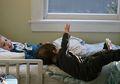 Bayi Jatuh Jangan Langsung Digendong: Bisa Lumpuh, Cidera Otak