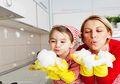 Usia 1-3 Tahun Masanya Anak Senang Membantu Oranglain, Dukung Ya Moms
