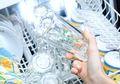 Dengan 3 Benda ini, Gelas Kaca yang Buram Langsung Bening Kembali