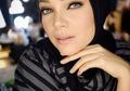Dewi Sandra Puji Penampilan Chacha Frederica Berhijab, Makin Cantik!