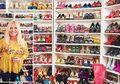 Wanita Ini Kecanduan Sepatu dan Mengoleksi Lebih Dari 400 Pasang
