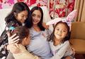 Ririn Dwi Ariyanti Melahirkan Anak Ketiga, Ini Potret Tampan Putranya