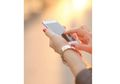 Pasangan Bahagia Jarang Memposting Kebersamaan di Media Sosial, Ini Alasannya!