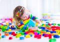 Riset: Anak Lebih Cerdas Bila Punya Sedikit Mainan, Ini Penjelasannya
