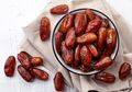 Wajib Tahu, Ini Manfaat Rutin Makan Kurma Saat Udara Panas