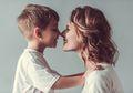 Bila si Kecil Berperilaku Baik, Mari Berikan 5 Hadiah Ini Padanya