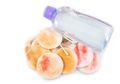 Dikenal 'Ampuh' Bersihkan Riasan Wajah, Apakah Micellar Water Direkomendasikan Dermatologi?