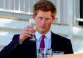 Dulu Terkenal 'Nakal', Inilah 8 Perbuatan Pangeran Harry yang Sempat Bikin Malu Kerajaan Inggris