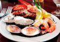 Tangan Pria Ini Melepuh dan Harus Diamputasi Setelah Makan Seafood, Ini Penyebabnya