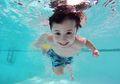 3 Manfaat Melakukan Gaya Dada atau Gaya Katak Saat Berenang