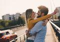 4 Zodiak Ini Lebih Memilih Cinta Daripada Sahabat, Benarkah Demikian?