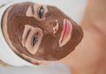 Ingin Wajah Terlihat Glowing? Coba Buat Masker Coklat Ini Yuk!