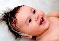 Duh, Terlalu Sering Cuci Rambut Bisa Tingkatkan Kerak di Kepala Bayi