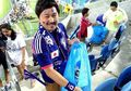 Sudah Dididik Sejak Kecil, Itu Alasan Mengapa Pendukung Timnas Jepang Bersihkan Sampah di Stadion Saat Piala Dunia 2018