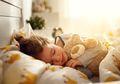 Yuk, Ajak Anak Tidur yang Cukup, Ini 6 Manfaatnya Bagi Si Kecil!