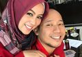 Masak Untuk Suami, Dandanan Tebal Istri Denny Cagur Jadi Sorotan