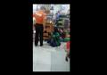 Polisi Dicopot dari Jabatannya setelah Pukul Ibu-Ibu yang Mencuri