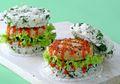 Burger Nasi Ayam Ini Bisa Jadi Sarapan Sekaligus Bekal, Bikinnya Hanya 20 Menit!