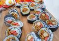 Wajib Coba Nih! Yuk, Rasain Sensasi Indomie Goreng Jadi Isian Sushi