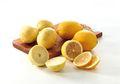 Pakai Lemon Cuma Sedikit? Simpan Sisanya dengan Cara ini, Dijamin Tahan Lama