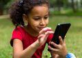 Anak Tak Bisa Lepas dari Gadget? Segera Atasi Dengan Cara Ini