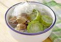 Sajikan Semangkuk Sayur Bening Oyong untuk Menghangatkan Makan Malam Nanti