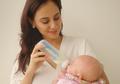 Masih Bayi, Anak Marissa Nasution Berfoto dengan Gaya Bak Model