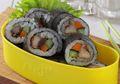 Si Kecil Pasti Bangga Kalau Dibekali Sushi Ikan Bumbu Oriental yang Mudah Dibuat Ini