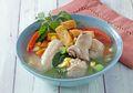 Hangatkan Sarapan Esok Hari dengan Menyajikan Sup Ayam Dan Tahu Aroma Kemangi