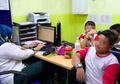 Guru Abaikan Termometer Rusak, Murid-murid SD ini Alami Diare dan Muntah!