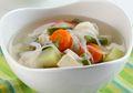 Tampilannya Boleh Sederhana, Tapi Nikmatnya Sup Tahu Sayuran Ini Boleh Diadu