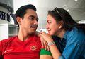Sedih Gak Bisa Nonton Seremoni Asian Games 2018, Menu Kaki Lima Jadi Pelipur Lara Pasangan Selebritis Ini