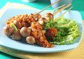 Ganjal Lapar di Sore Hari dengan Resep Sate Jamur Sambal Rujak Ini, Pedas Segar!