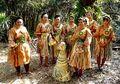 Menari untuk Orang Mati: Inilah Ritual Suku Misterius dari Malaysia