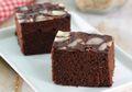 Gak Perlu Repot Pakai Oven, Cake Cokelat Pisang Siap Tersaji untuk Keluarga Tercinta