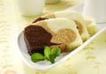 Nikmat Dan Lembutnya Bolu Kukus Santan Tiga Rasa Ini Hadir Di Meja Makan
