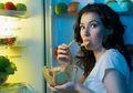 5 Alasan Sebaiknya Kita Harus Melepaskan Kebiasaan Ngemil Tengah Malam